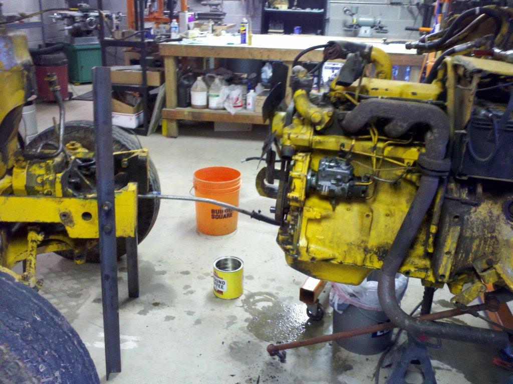 Benchtest.Com - Garage - Repairing a Deere 301 Industrial ... on